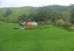 2014-04-20 10.26.00 Panorama Simon - Campsite_stitch.jpg: 5807x4011, 3143k (2014 Apr 23 12:10)