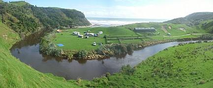 2014-04-20 11.57.03 Panorama Simon - campsite from road_stitch.jpg: 6977x2898, 2833k (2014 Apr 23 12:11)