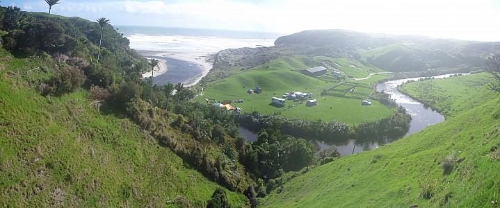 2014-04-21 11.15.00 Panorama Simon - Sandhills campsite_stitch.jpg: 6920x2886, 2874k (2014 Apr 23 12:10)