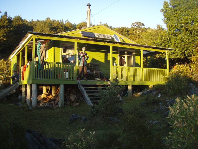 nsg hut 2008-04-25 07.30.07 P4250976 Simon.jpeg: 800x600, 101k (2009 Apr 03 00:00)