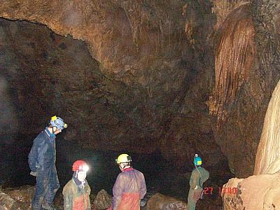 2008-04-27 13.40.21 Caving Rewaka resurgence 016 Jay.jpeg: 2592x1944, 1254k (2009 Apr 03 00:00)