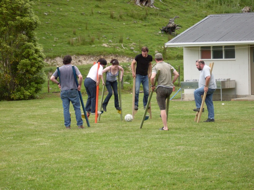 stilt_soccer.jpg: 819x614, 165k (2009 Apr 30 00:00)