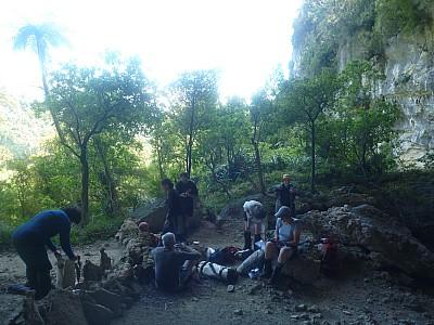 2011-01-26 15.27.33 P1020050 Simon Coppers Cave camp.jpeg: 4000x3000, 5321k (2014 Aug 12 22:18)