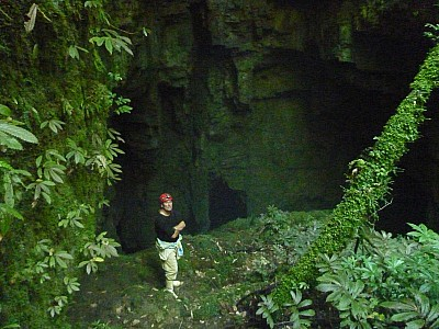 2013-03-29 11.43.12 P1040765 Simon - Coincidence Cavern entrance.jpeg: 4000x3000, 5150k (2013 Aug 08 00:00)