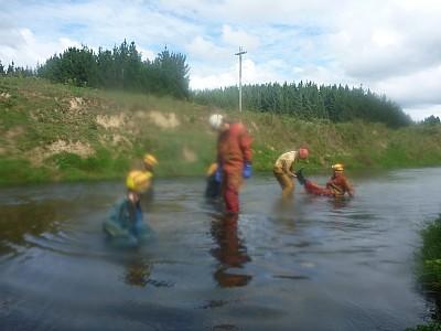 2013-03-31 14.15.15 P1040875 Simon - washing in river.jpeg: 4000x3000, 4344k (2013 Aug 11 00:00)