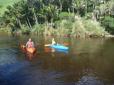 2014-04-21 12.25.21 P1000610 Simon - Daniel and Matt in kayaks.jpeg: 4000x3000, 7400k (2014 Jun 07 10:58)